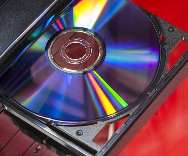DVDを機器に入れる